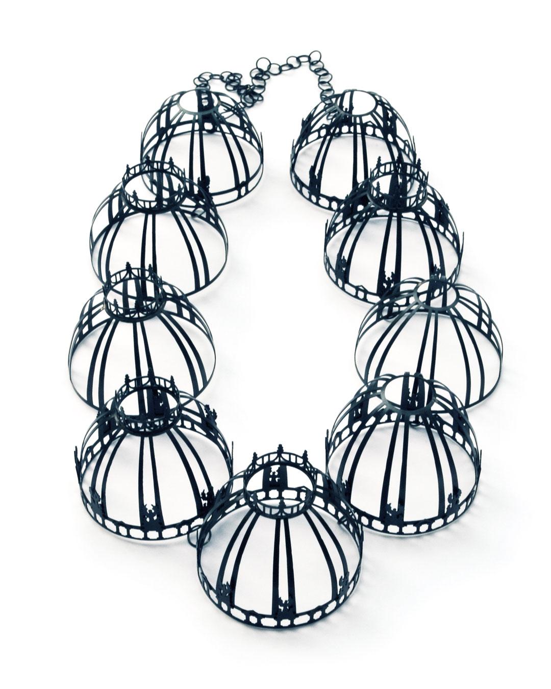 Vera Siemund, untitled, 2015, necklace; steel, 210 x 350 x 60 mm, €4850