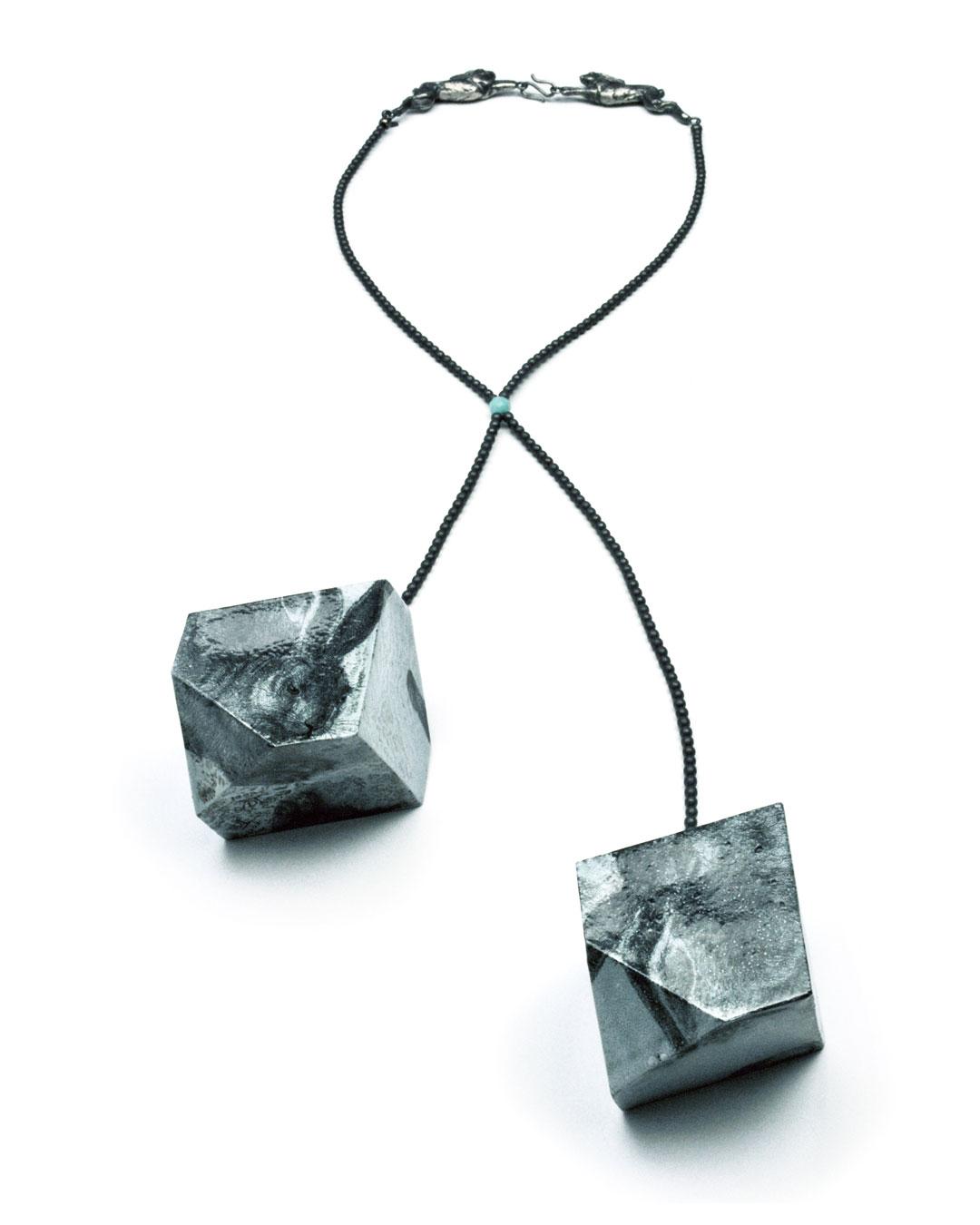 Vera Siemund, untitled, 2015, necklace; enamelled copper, hematine, silver, enamelled printed images, 60 x 45 x 55 mm, €2150