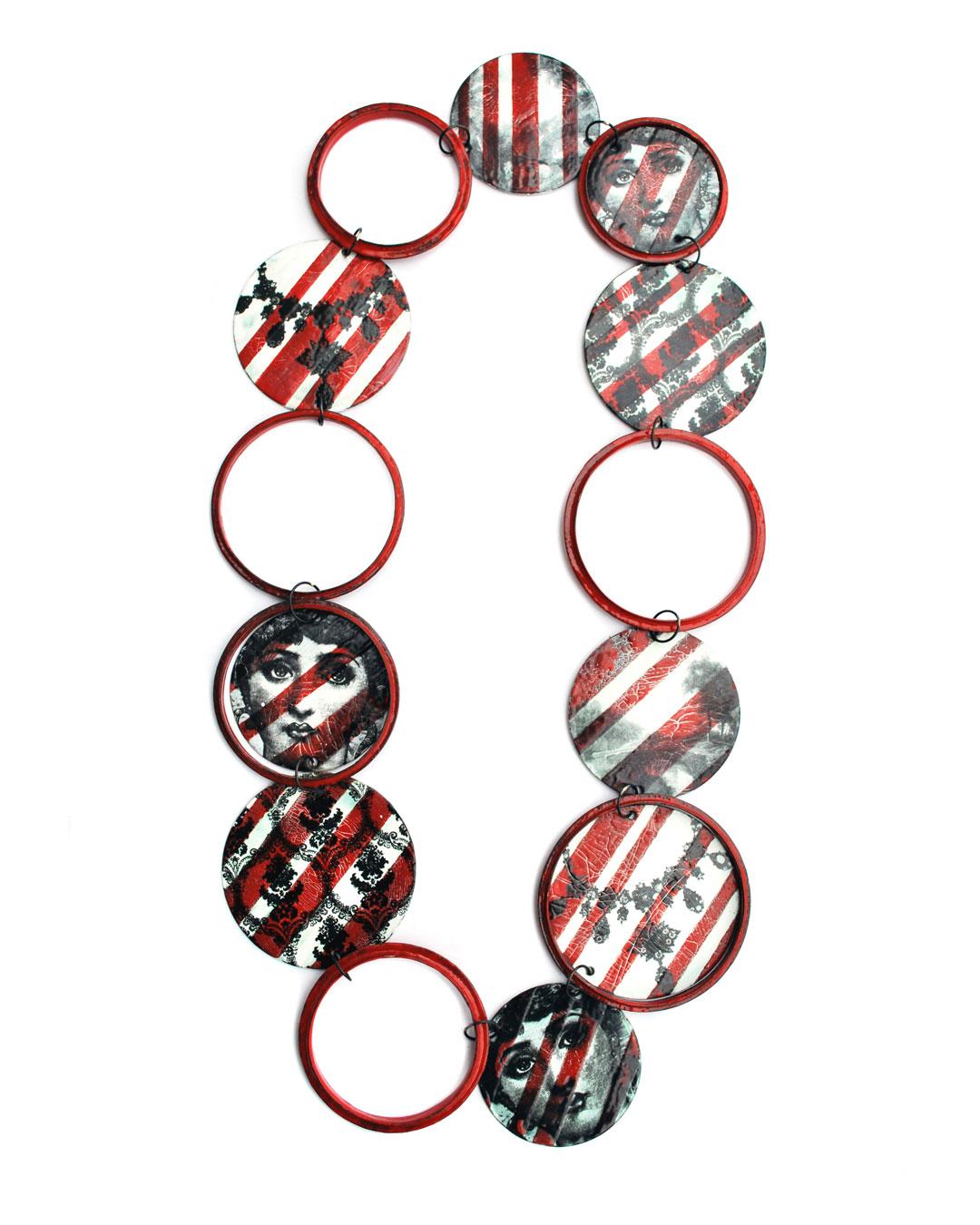 Vera Siemund, untitled, 2010, necklace; enamelled copper, steel. 180 x 360 x 0.5 mm, €2900