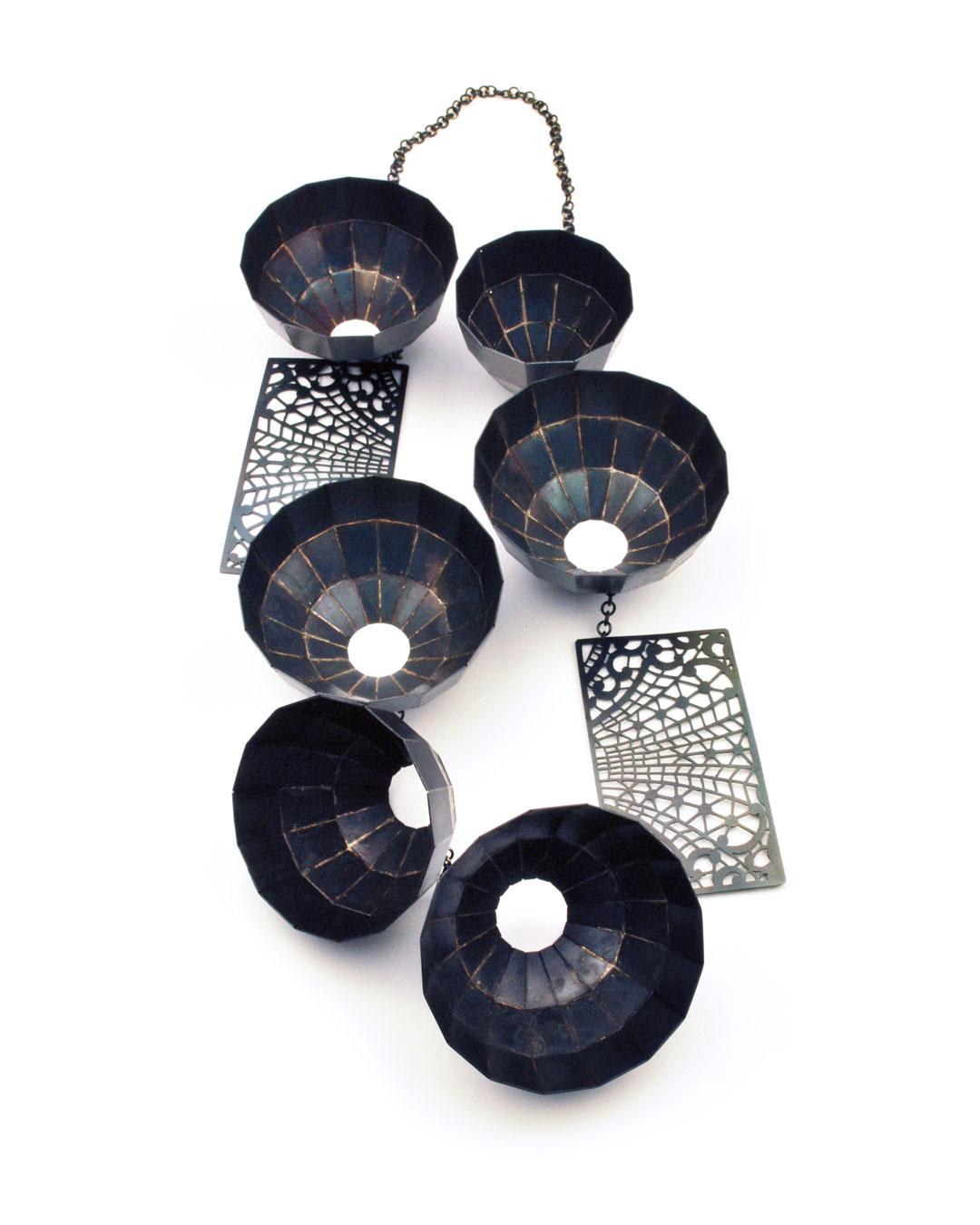 Vera Siemund, untitled, 2018, necklace; steel, 190 x 360 x 40 mm, €5565