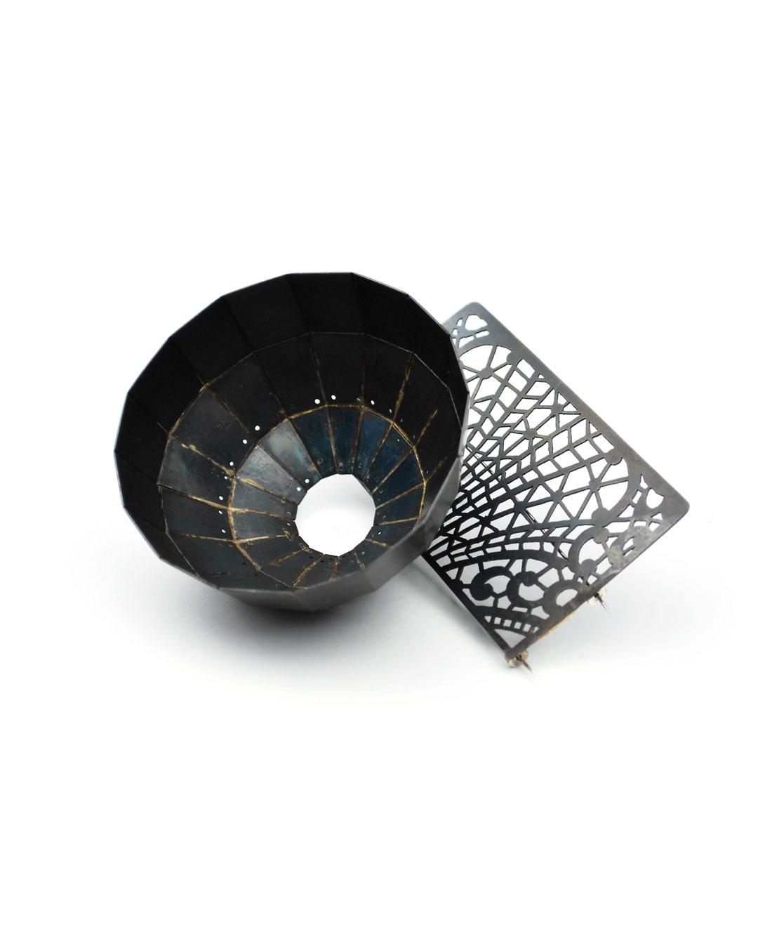 Vera Siemund, untitled, 2018, brooch; steel, silver, 90 x 90 x 45 mm, €1210