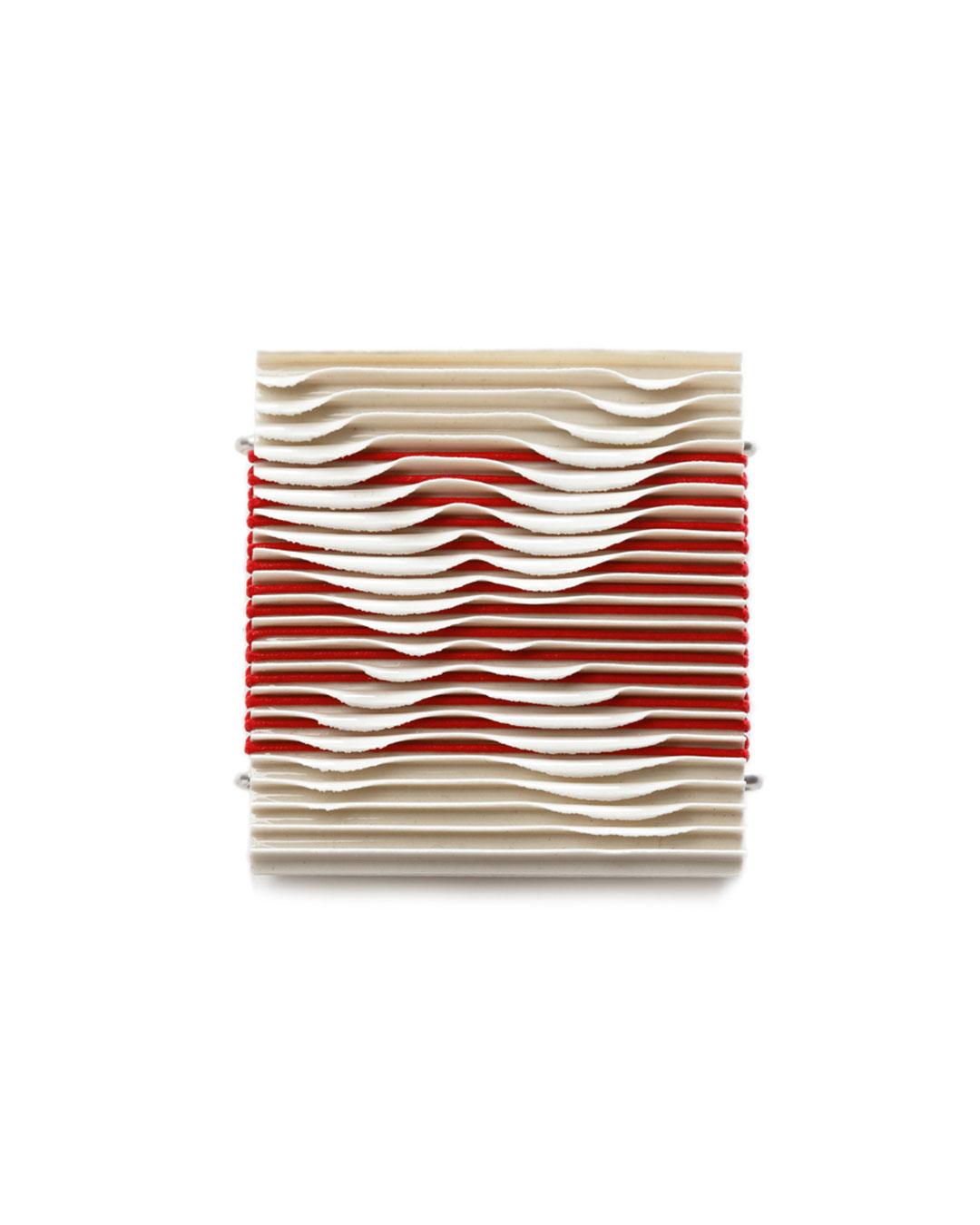 Silke Trekel, Moth, 2017, brooch; porcelain, silver, thread, 59 x 52 x 7 mm, €680