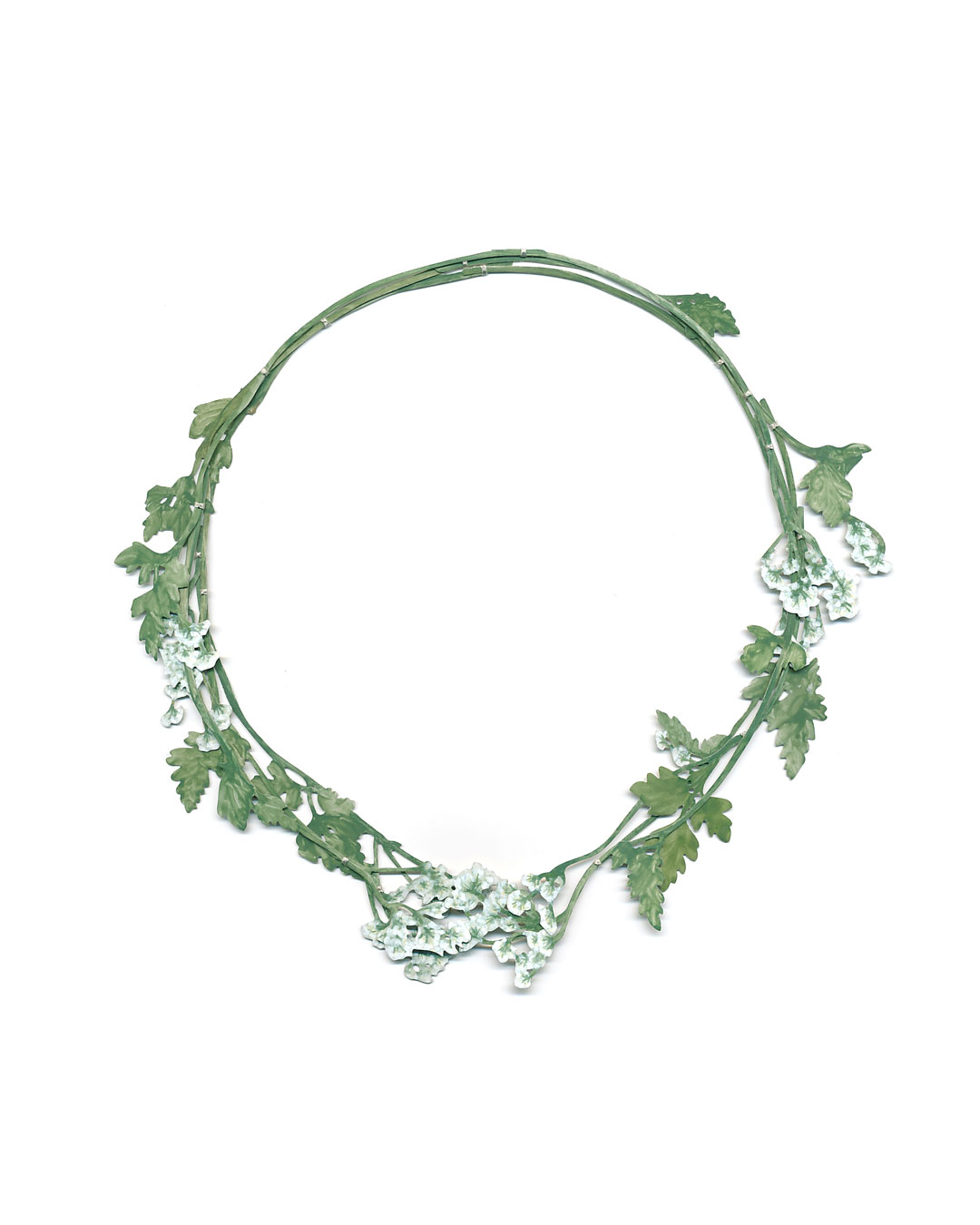 Christopher Thompson Royds, Natura Morta: Cow Parsley, 2016, necklace; silver, hand-painted, 175 x 180 mm, €3500
