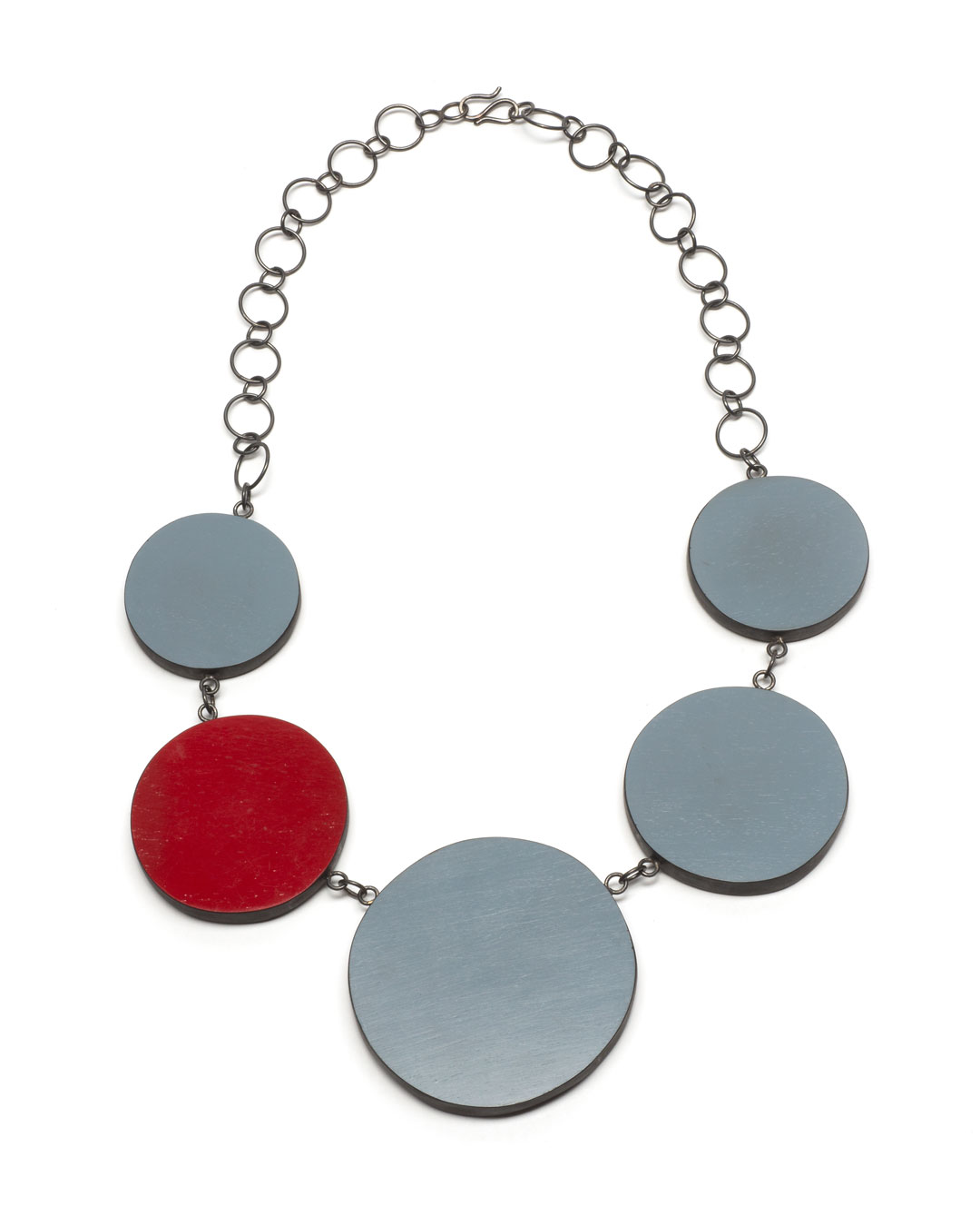 Mareen Alburg Duncker, Mikado Red II, 2018, necklace; ebony, silver, lacquer, thread, ø 600 mm, €490
