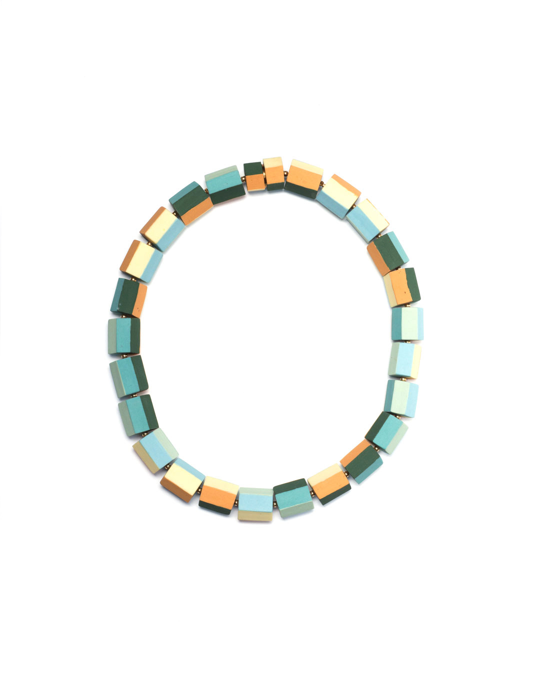 Nina Sajet, untitled, 2017, necklace; porcelain, pigment, wire, gilded silver, brass, 170 x 170 x 17 mm, €1200