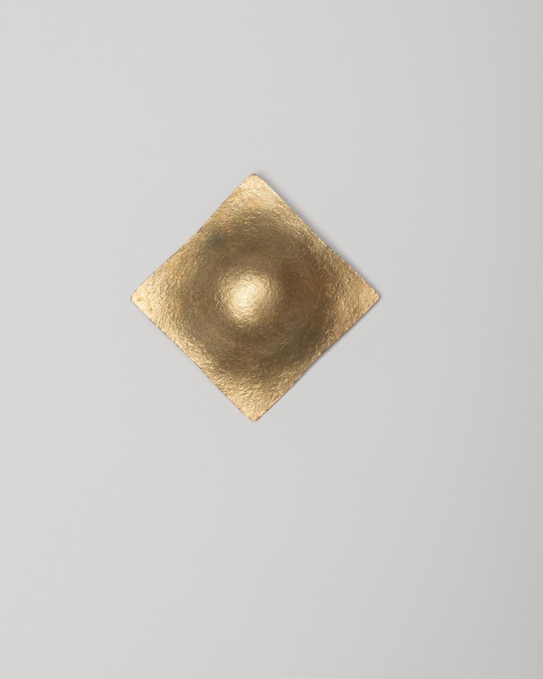 Yasuki Hiramatsu, untitled, brooch; gold-plated silver, 62 x 61.5 x 14 mm, €875