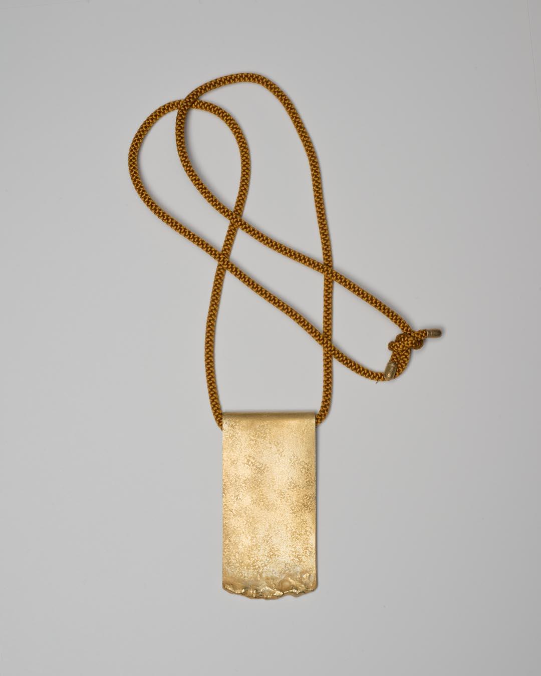 Yasuki Hiramatsu, untitled, 1999, pendant; gold-plated silver, 46 x 94 x 8 mm, €2500