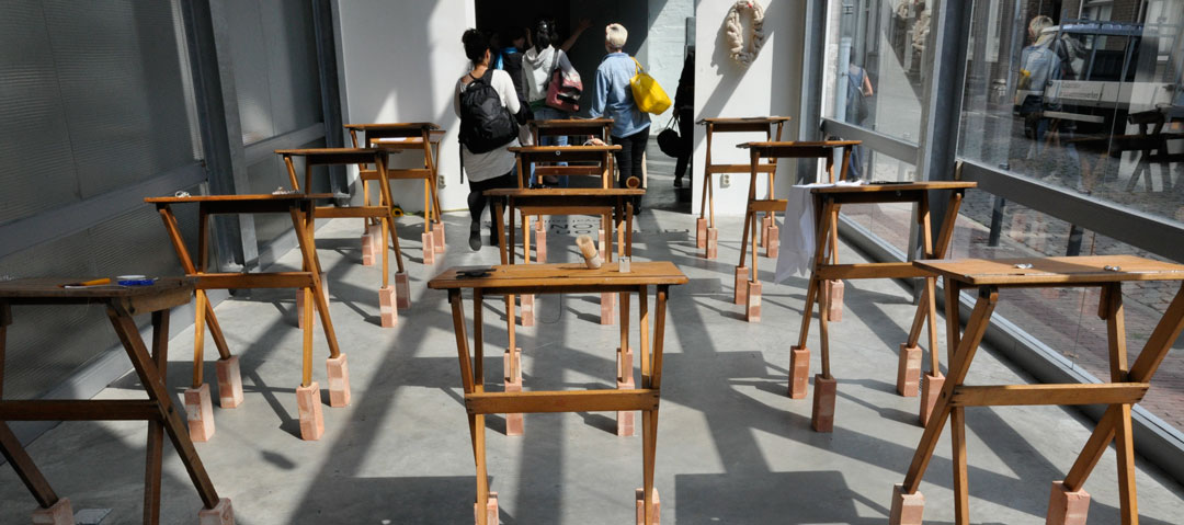 2010 - Royal College of Art GSM&J Effe Kijken / Let's Have a Look - Raised on London
