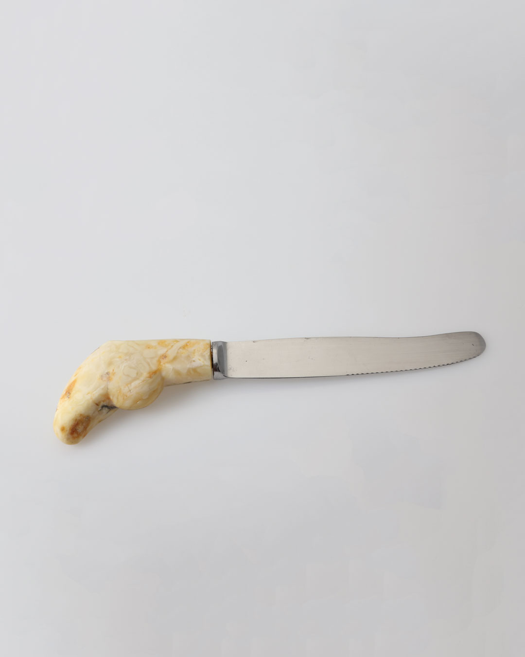 Juliane Brandes, untitled, 2012, knife; amber, steel, 175 x 40 x 15 mm, €1090