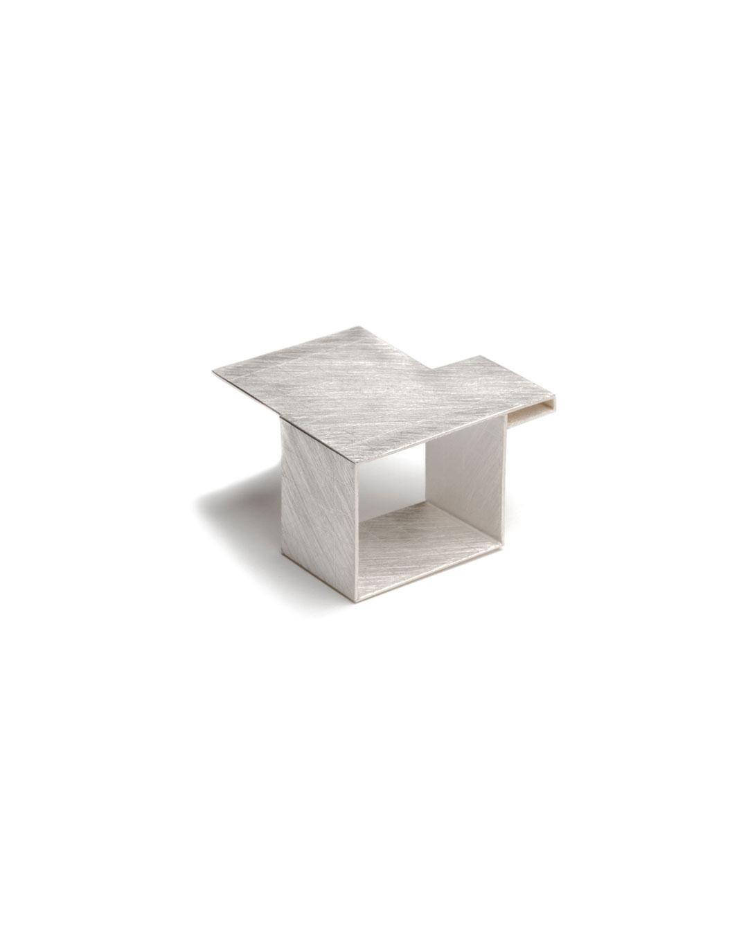 Noam Elyashiv, Grid Ring, 2017, ring; silver, 25 x 25 x 16 mm, €950