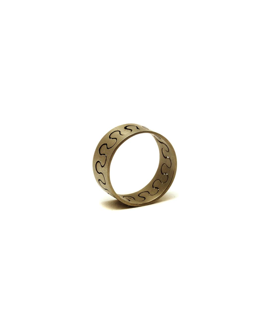 Herman Hermsen, Meanderring, 1995, ring; 18ct gold, ø 20 mm, €1100