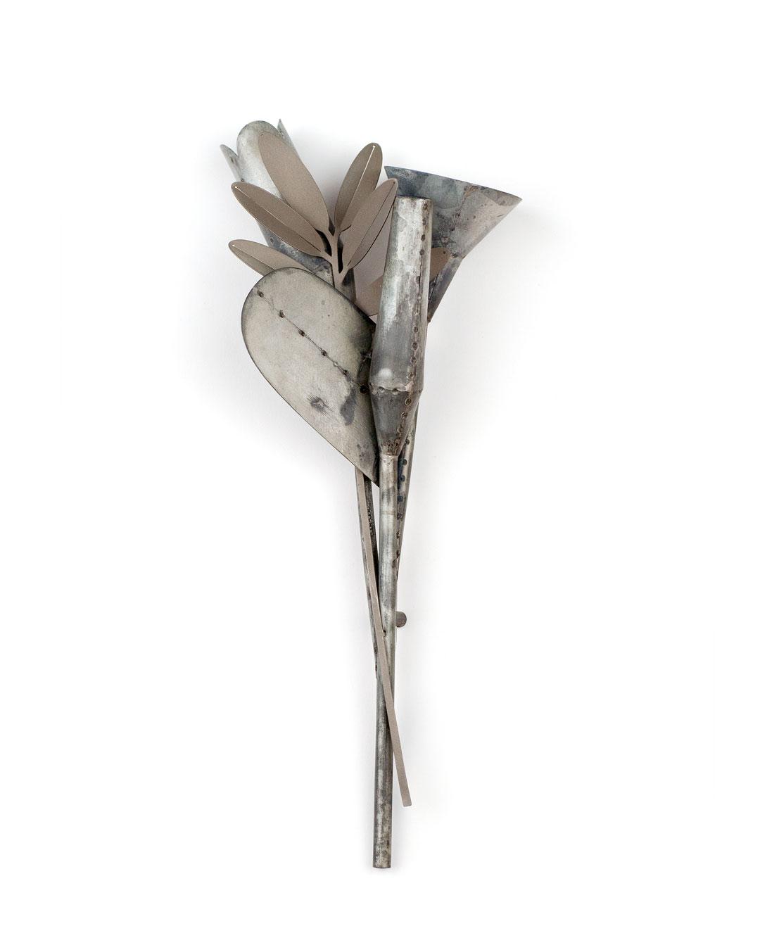 Junwon Jung, Flower 3, 2013, brooch; titan zinc, steel, 220 x 70 x 30 mm, €1700