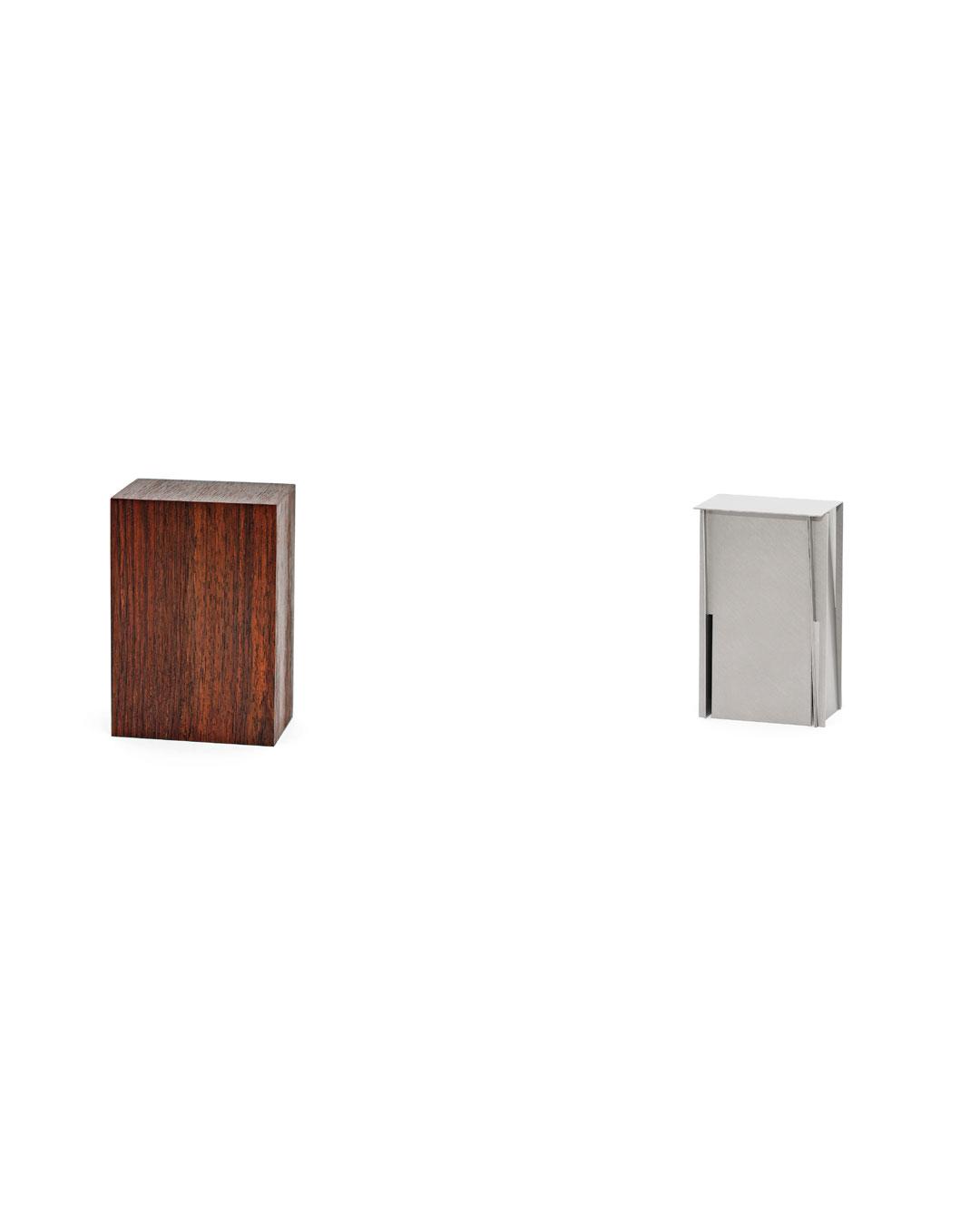 Junwon Jung, Box 2, 2019, brooch; titanium, steel, wood, 90 x 55 x 35 mm, €2900 (image 2/2)