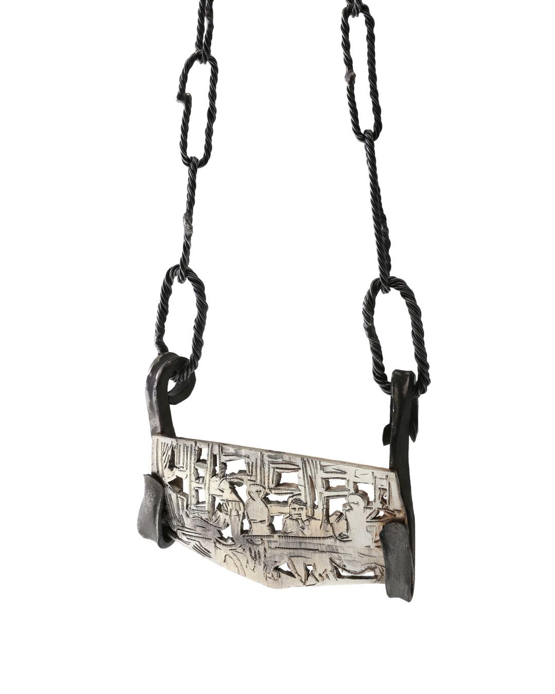 Rudolf Kocéa, Macrons Schreibtisch (Macron's Desk), 2018, necklace; silver, copper, titanium, 110 x 80 x 20 mm, €3250