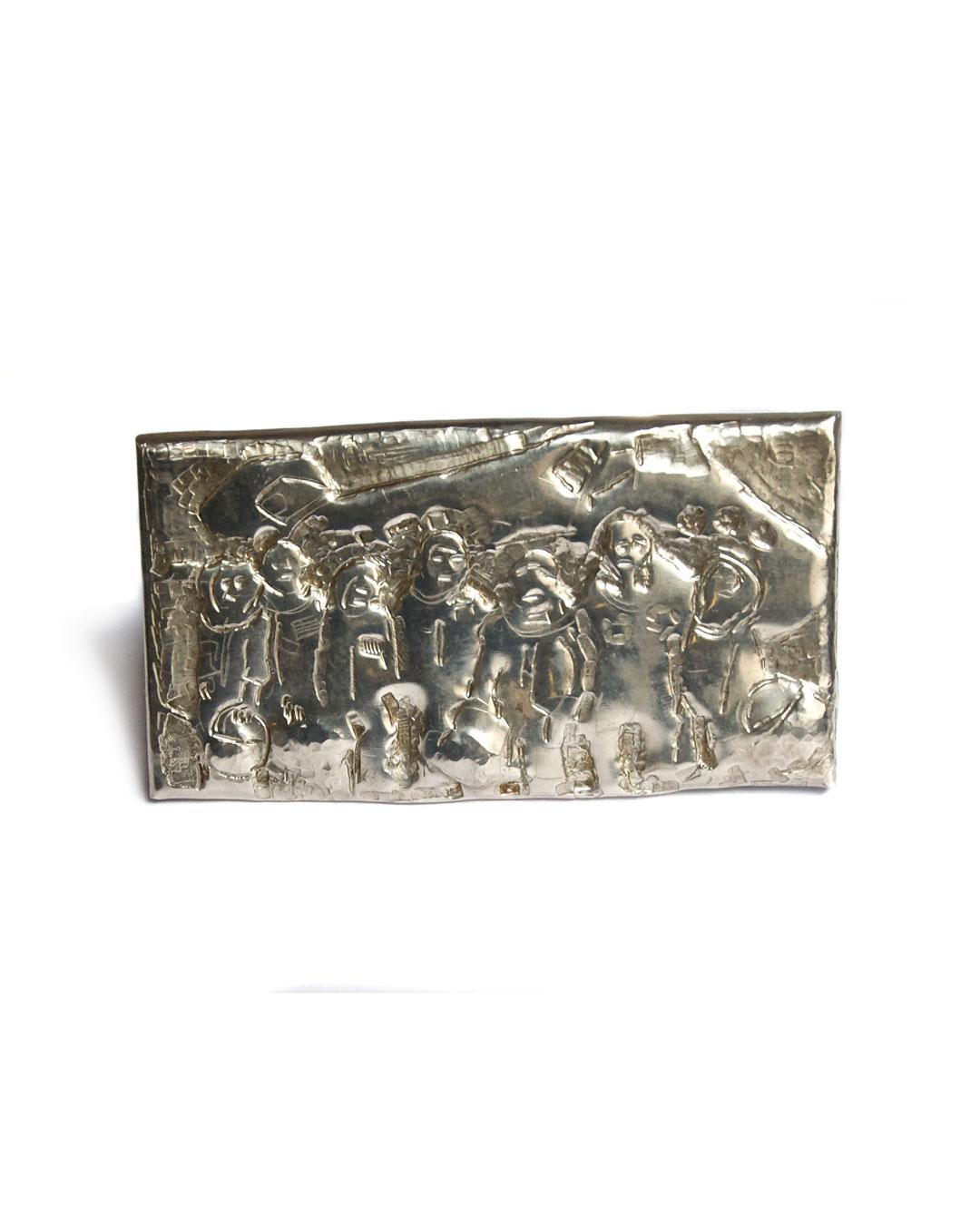 Rudolf Kocéa, Astronauten (Astronauts), 2007, brooch; silver, 55 x 105 x 5 mm, €1535