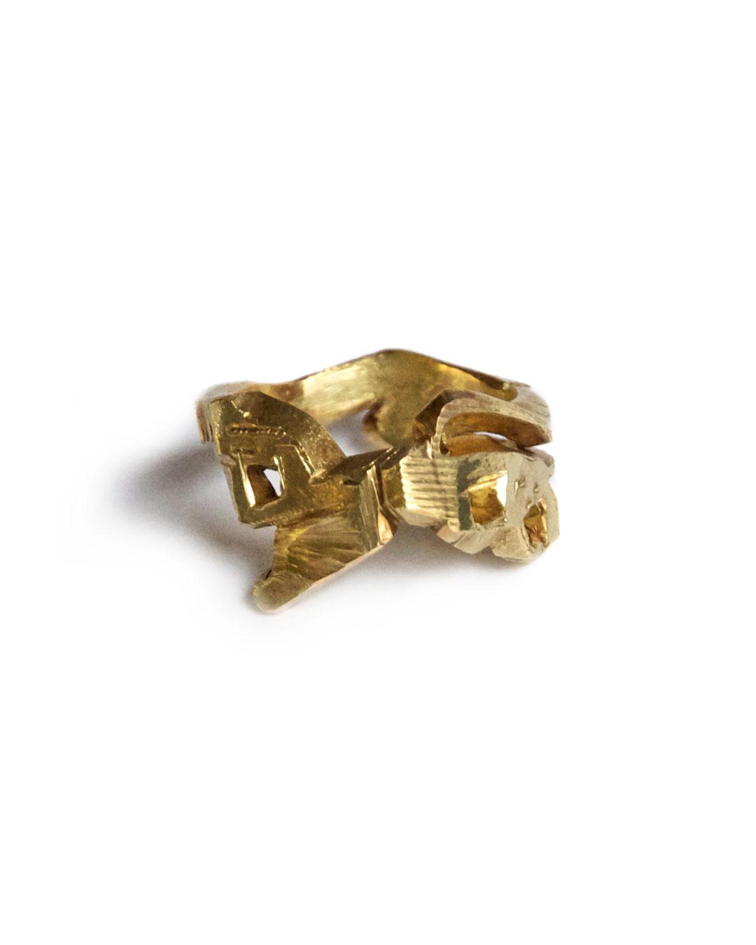 Rudolf Kocéa, PF, 2005, ring; 14ct gold, 22 x 14 mm, €1710