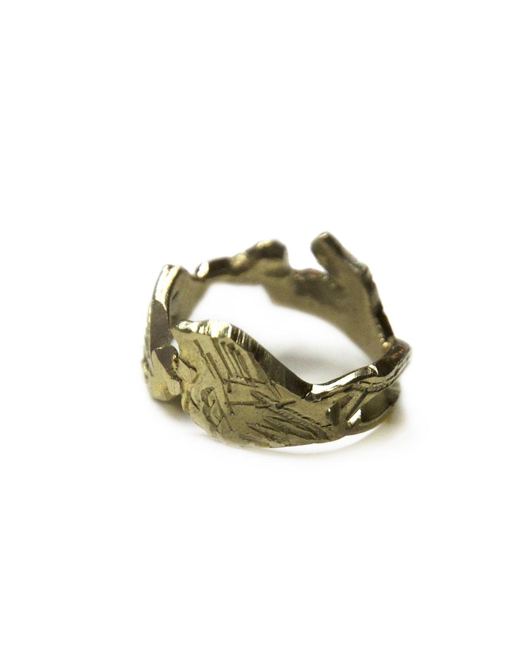 Rudolf Kocéa, Flügel (Wings), 2012, ring; 14ct gold (10.4 g), ø 23 x 11 mm, €1490