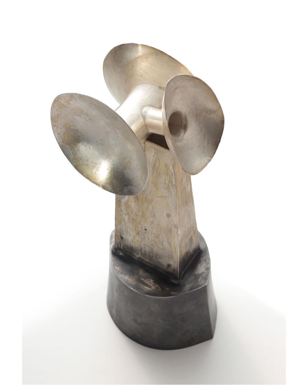 Rudolf Kocéa, Ausgezeichnet (Distinguished), 2014, object; silver, copper, 300 x 130 x 100 mm, €7750