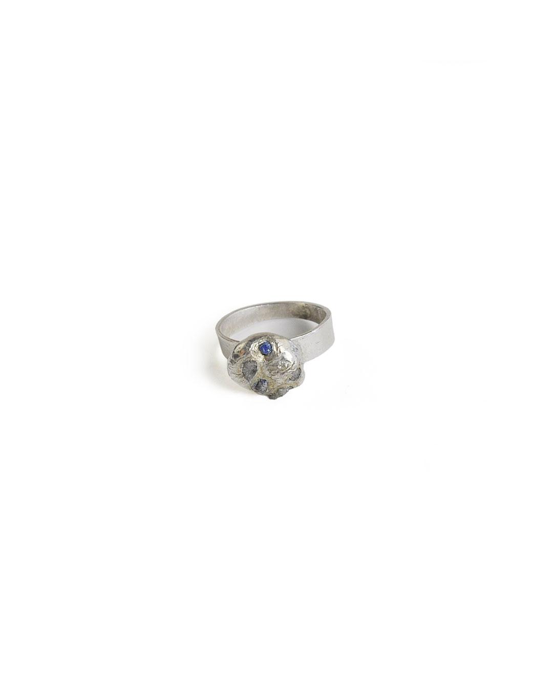 Rudolf Kocéa, untitled, 2014, ring; silver, copper, uncut diamonds, 25 x 10 mm, €730