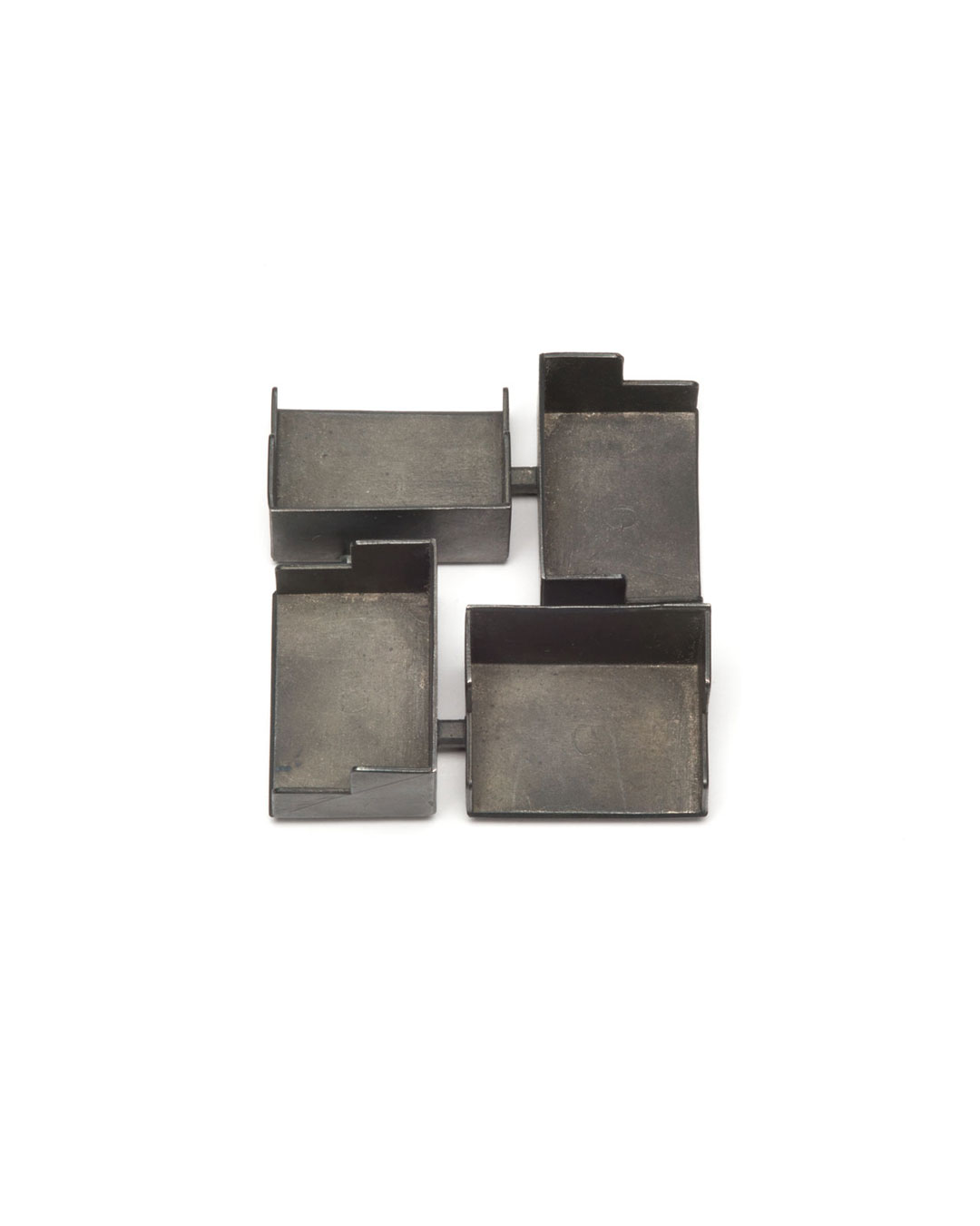 Winfried Krüger, untitled, 2008, brooch; oxidised silver, 75 x 75 mm, €2180