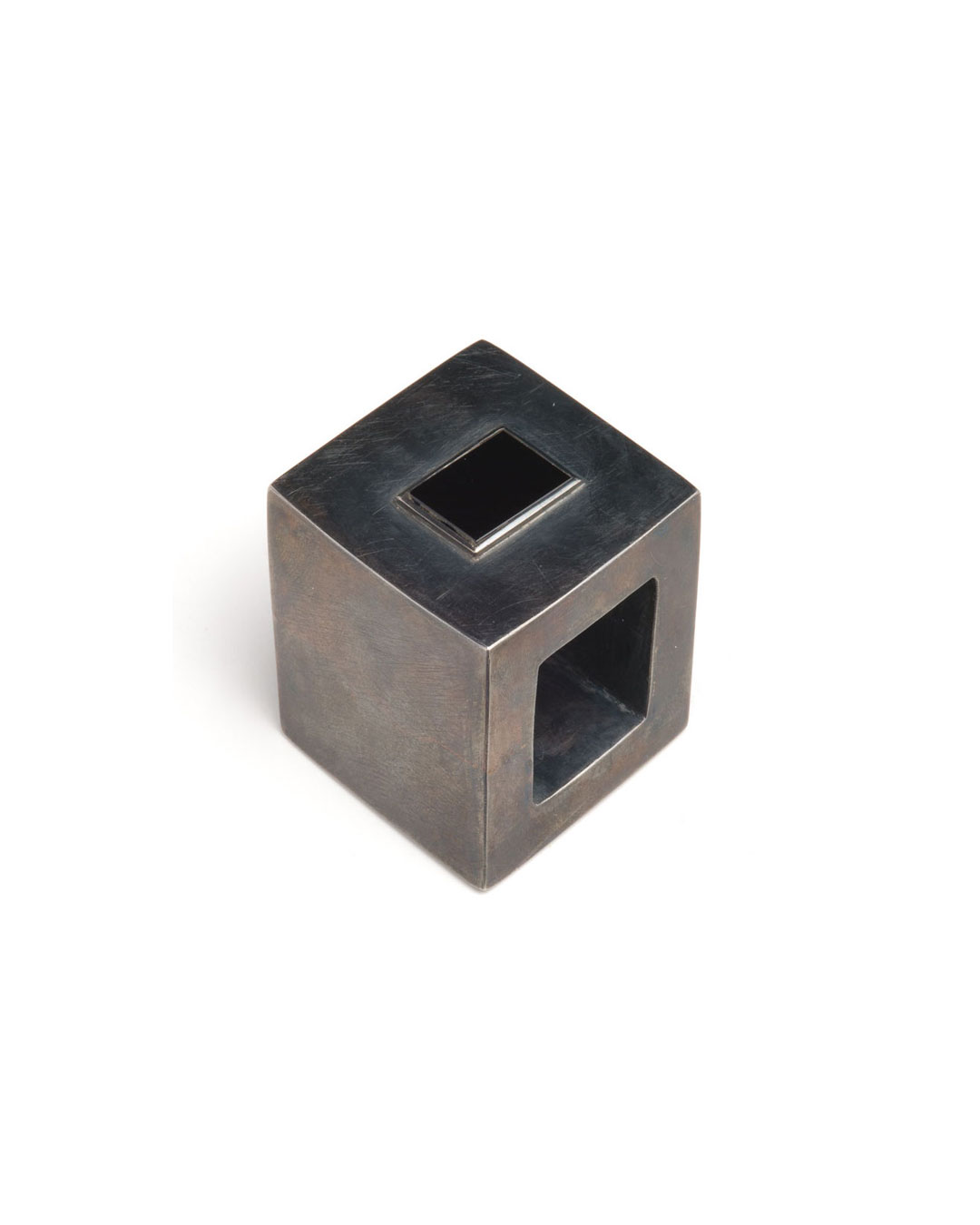 Winfried Krüger, untitled, 1988, ring; silver, glass, 35 x 35 mm, €970
