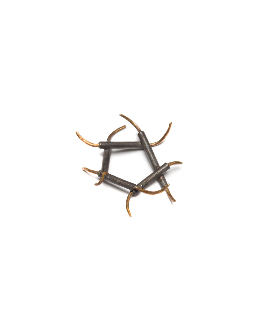 Winfried Krüger, untitled, 1996, ring; oxidised silver, gold, 40 x 40 mm, €605