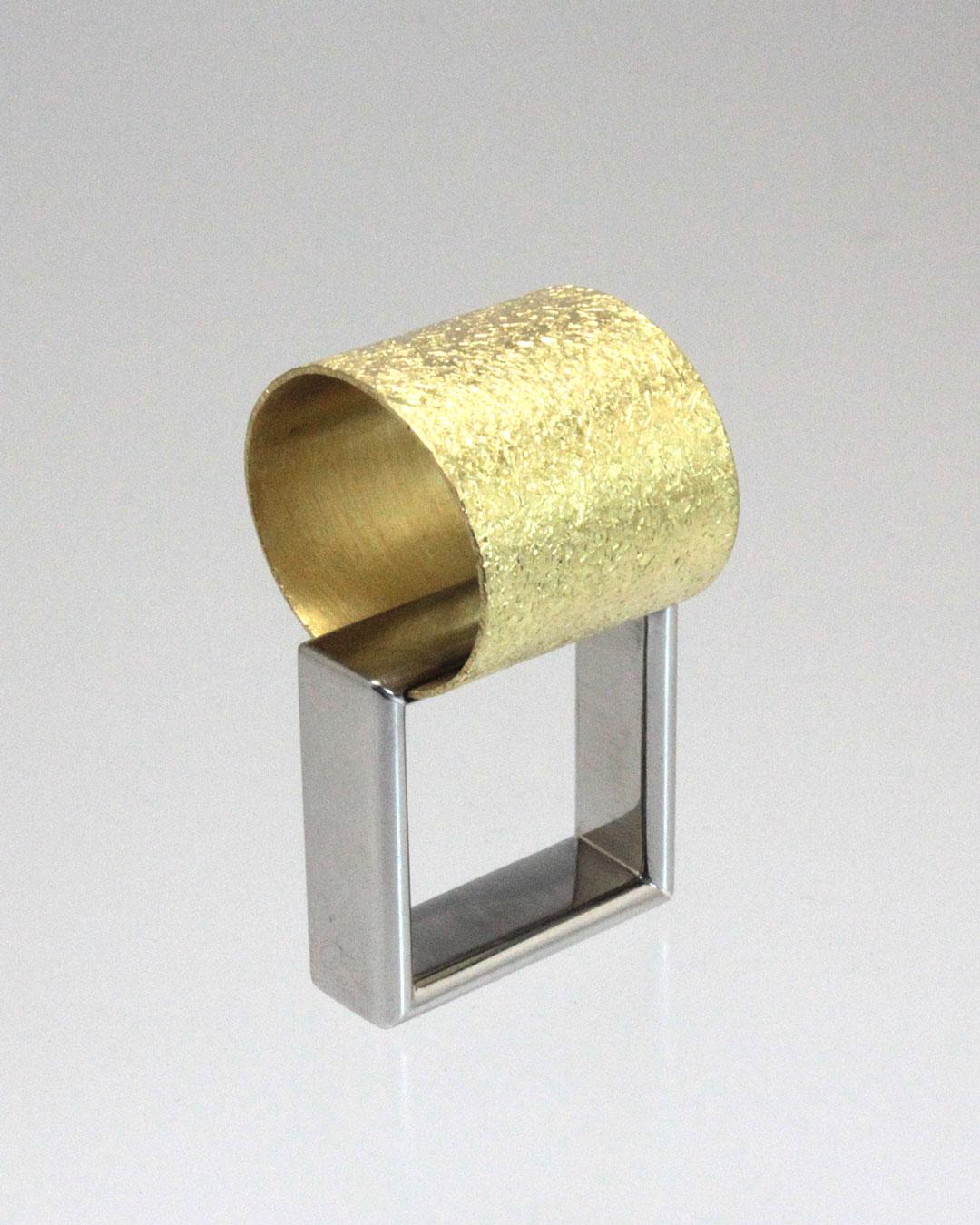 Okinari Kurokawa, untitled, 2014, ring, 20ct gold, stainless steel, 38 x 22 x 21 mm, €1850