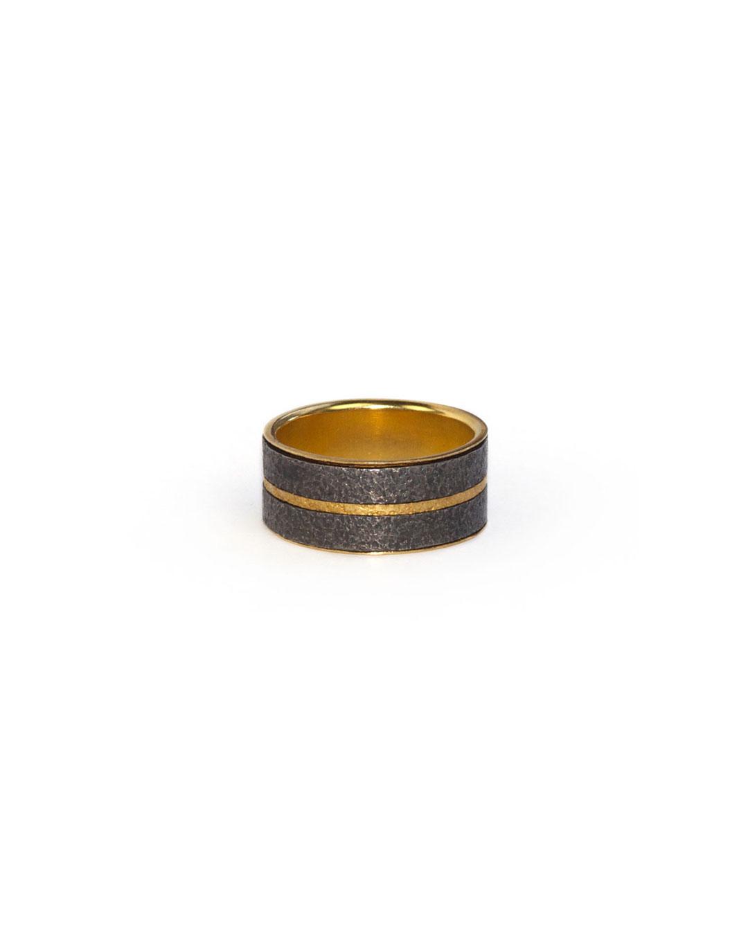 Okinari Kurokawa, untitled, 2008, ring; 20ct gold, silver, 23 x 9 mm, €1600