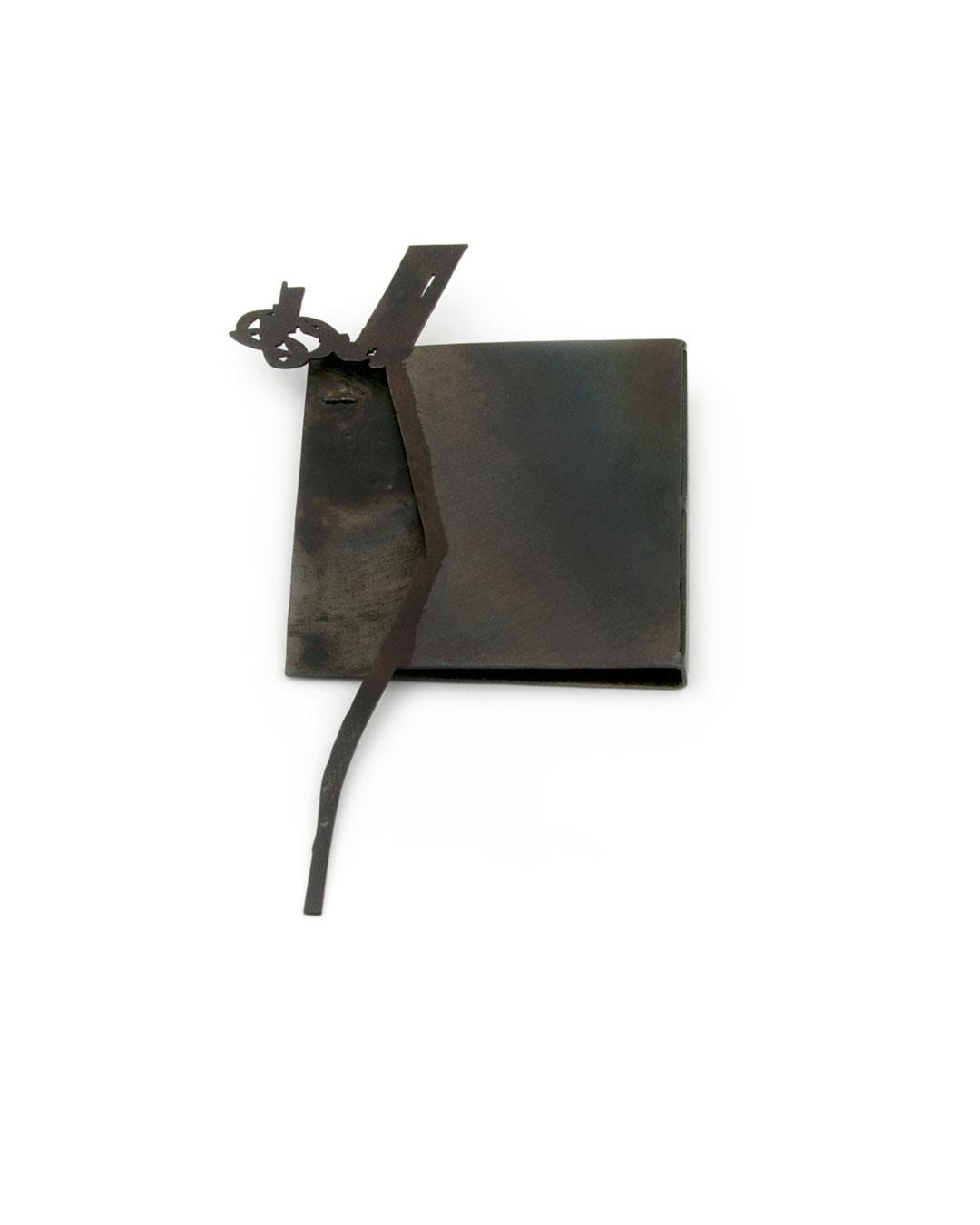 Dongchun Lee, untitled, 2004, brooch; iron, 70 x 117 x 5 mm, €970