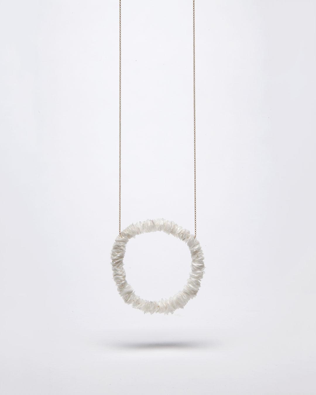 Annamaria Leiste, Meeresraunen 2 (Sea Whisper 2), 2014, necklace; gold, fish scales, 370 x 170 x 10 mm, €885