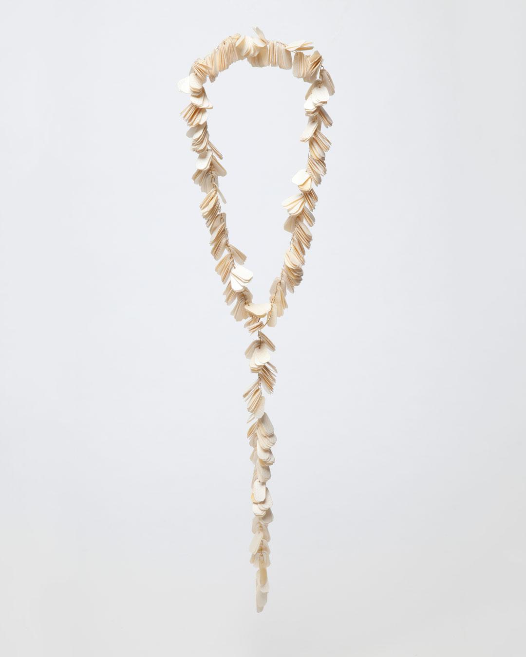 Annamaria Leiste, Vor-Zunamen (First Name-Last Name), 2017, necklace; parchment, gold, 390 x 110 x 15 mm, €1950