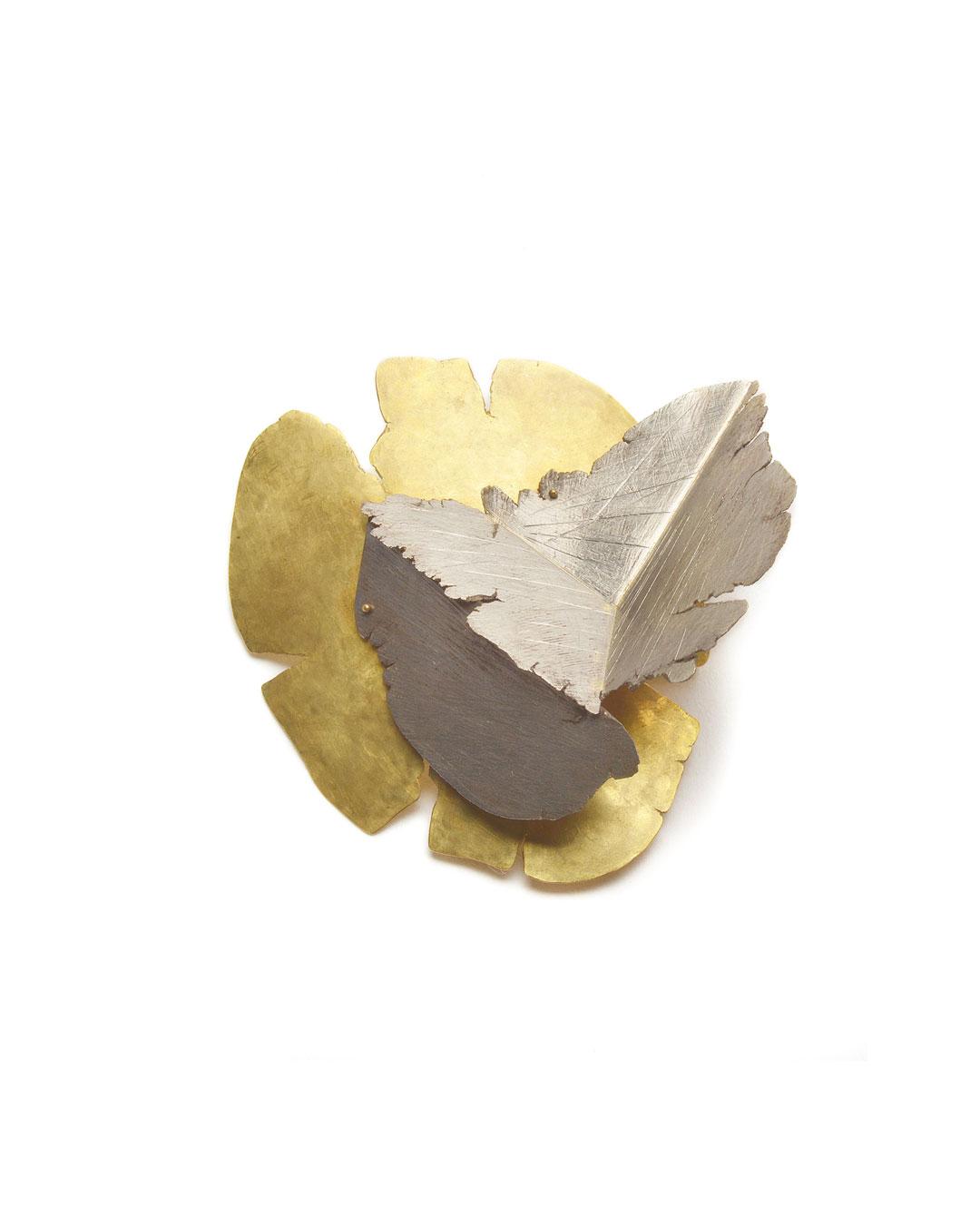 Stefano Marchetti, untitled, 2008, brooch; gold, 65 x 68 x 30 mm, €6100
