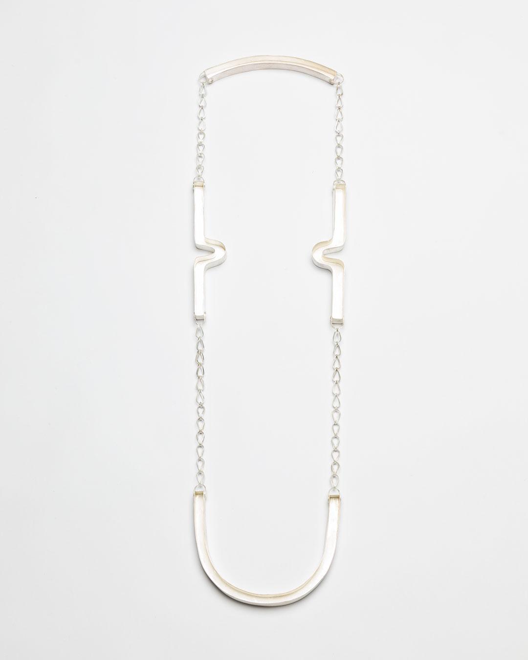 Christine Matthias, untitled, 2018, necklace; silver, L 1250 mm, €3525