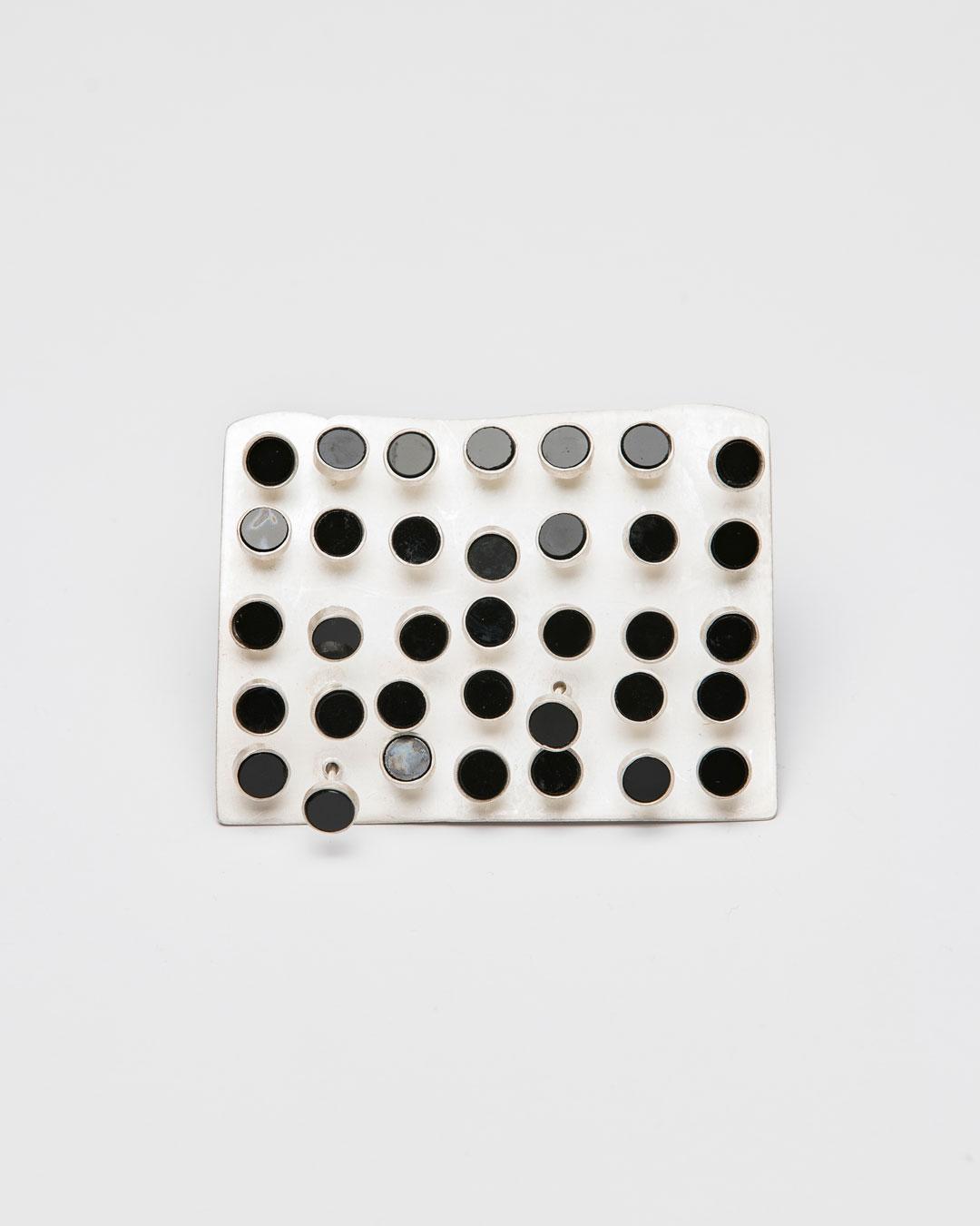 Christine Matthias, untitled, 2019, brooch; silver, onyx, 73 x 55 x 20 mm, €1575