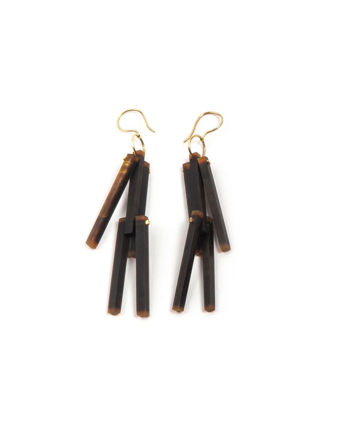 Julie Mollenhauer, untitled (Little Men), 2019, earrings; buffalo horn, 18ct gold, 14ct gold, 65 x 9 x 9 mm, €820