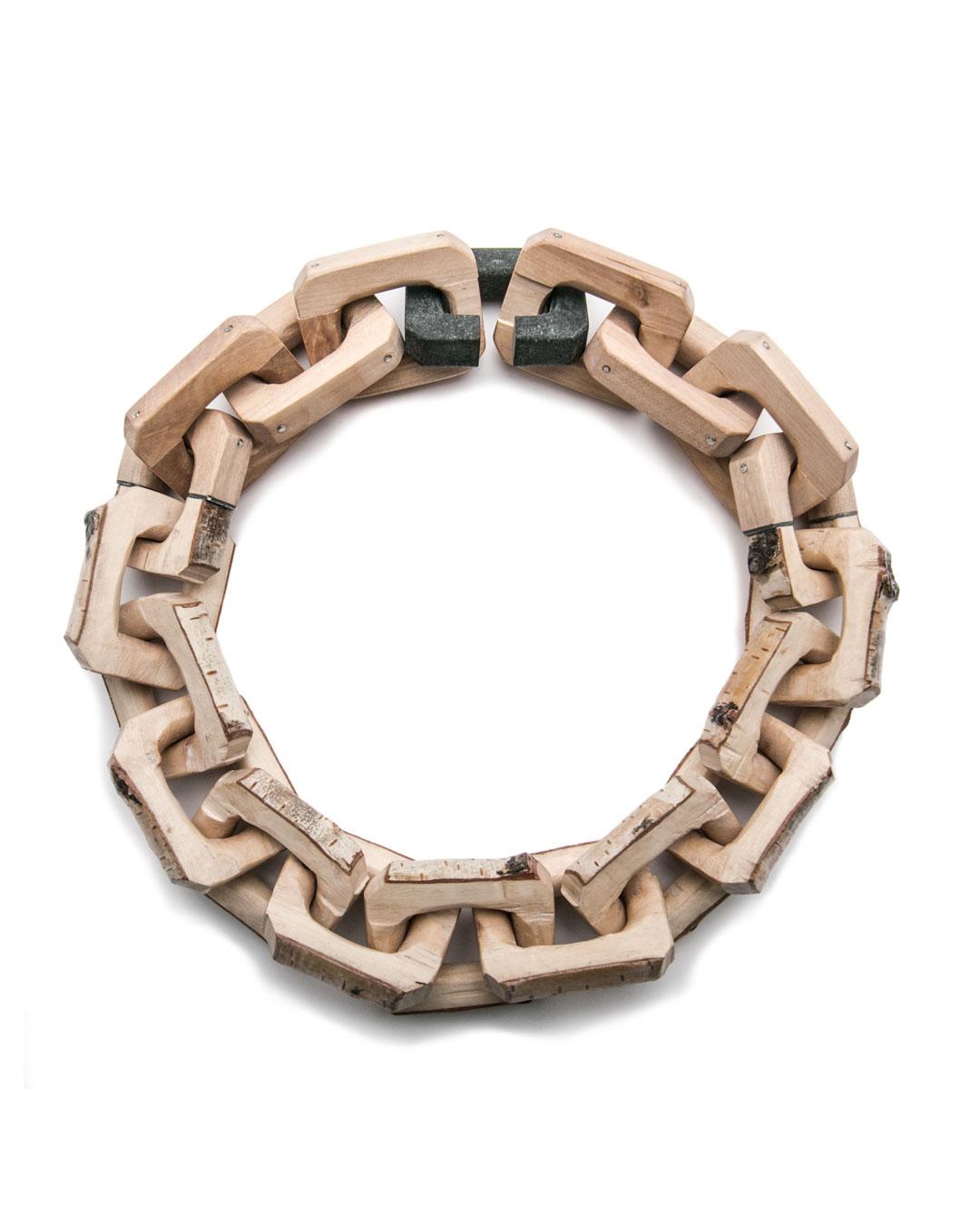 Marek Mrowinski, Attitudes, 2017, necklace; wood, diabase, silver, 230 x 230 x 43 mm, €1630