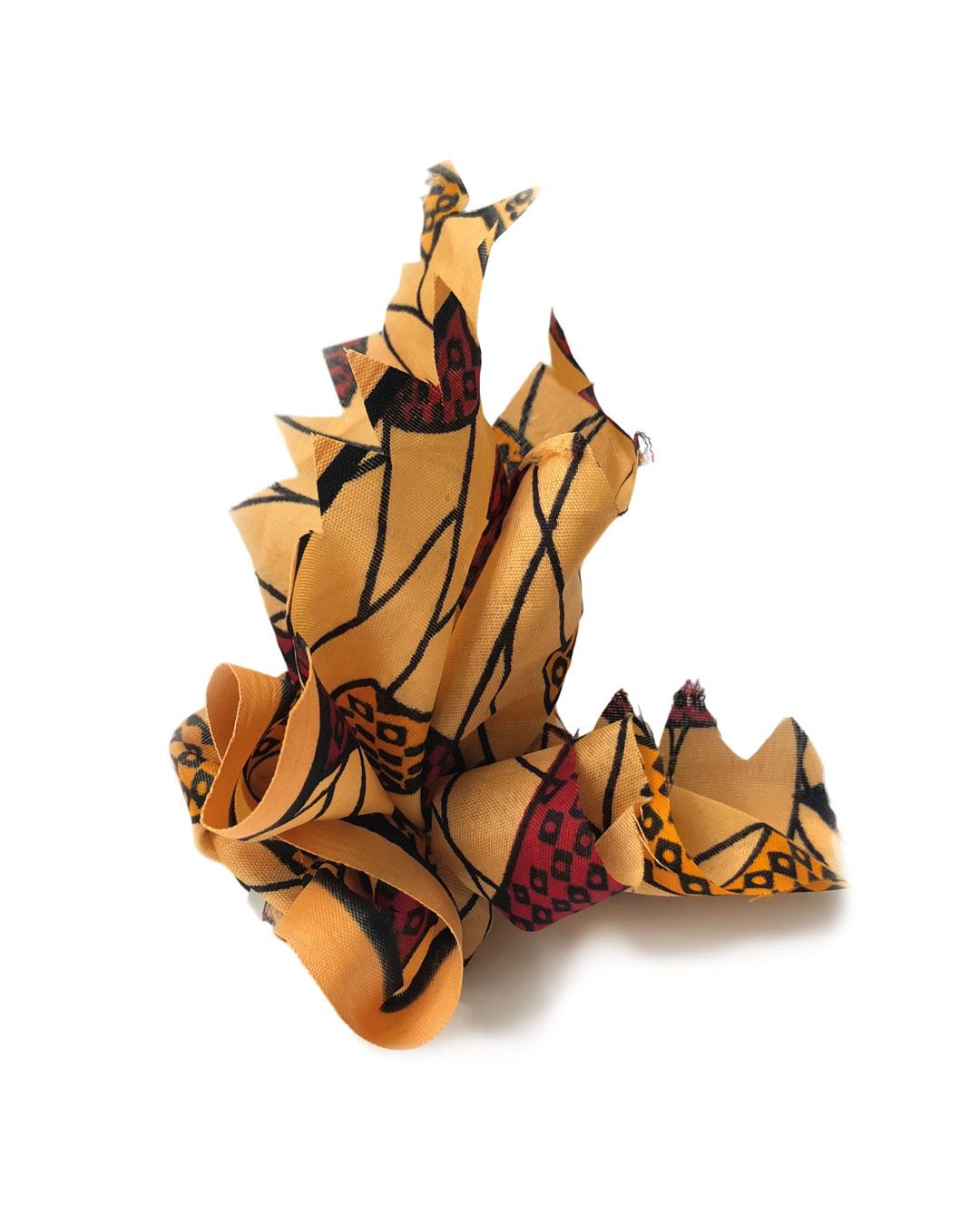 Chequita Nahar, Angisa, 2017, brooch; silver, cotton, 120 x 130.5 x 100 mm, €330