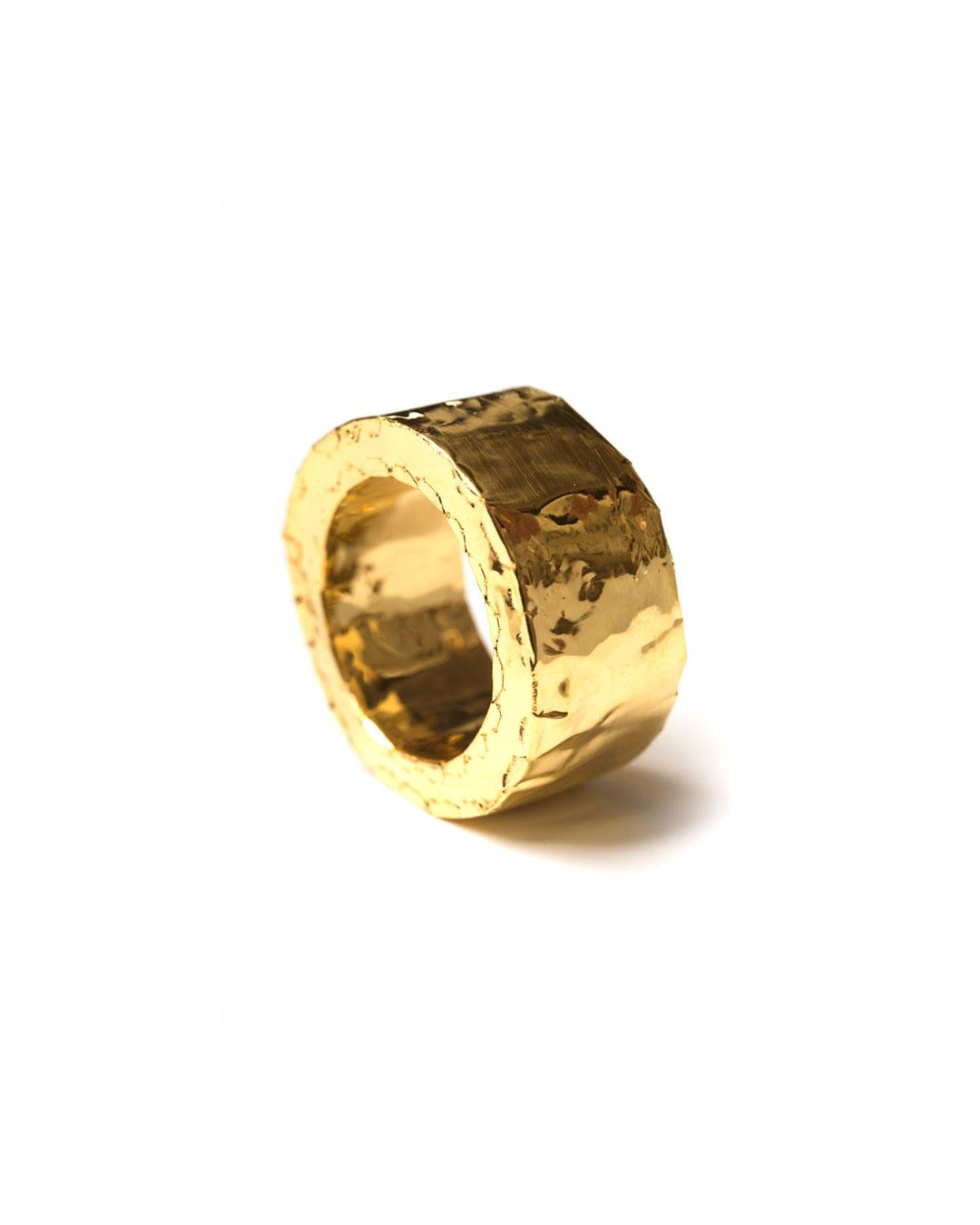 Carla Nuis, Furl 5, 2018, ring; fine gold, 30 x 30 x 4 mm, €1250