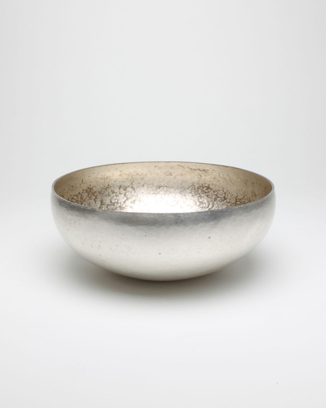 Cóilín Ó Dubhghaill, Ceo 10, 2014, bowl; silver alloy, copper alloy, 90 x 225 x 225 mm, €5300