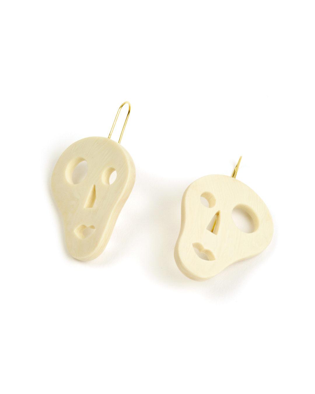 Julia Walter, Little Skulls, 2019, earrings; Galalith, 14ct gold, 35 x 40 x 5 mm, €670
