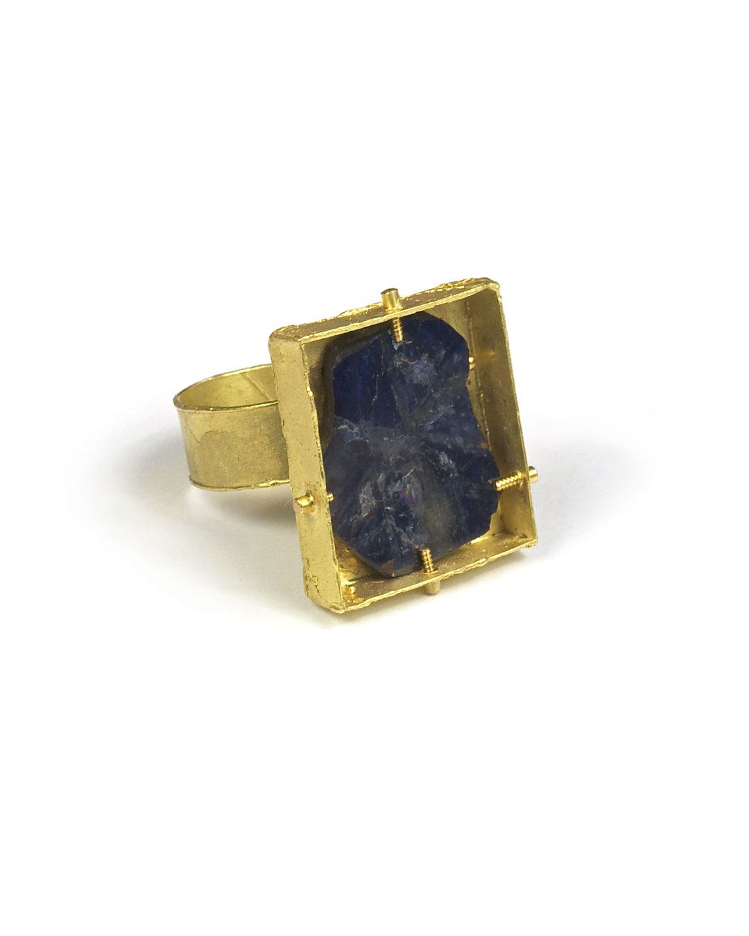 Andrea Wippermann, untitled, 2004, ring; 18ct gold, sapphire, 35 x 23 x 25 mm, €2550