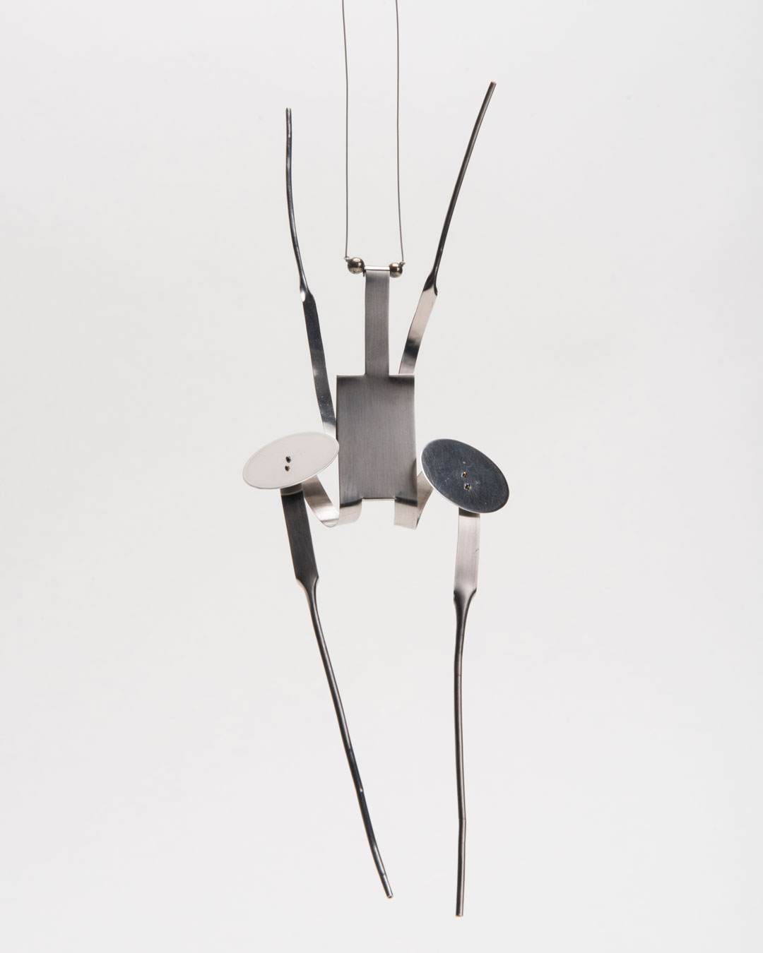 Andrea Wippermann, Mantis Religiosa, 2017, pendant; stainless steel, obsidian beads, blackened silver, nylon, 230 x 70 x 40 mm, €2200