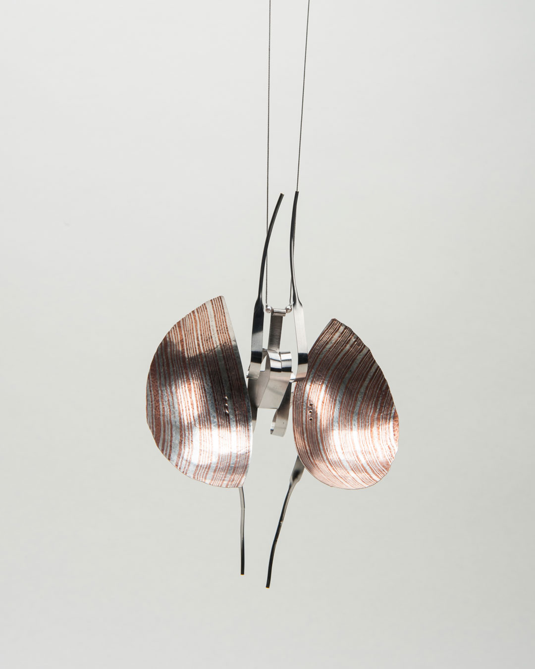 Andrea Wippermann, Mantis Religiosa, 2018, pendant; silver, copper, blackened silver, stainless steel, beads, nylon, 190 x 130 x 50 mm, €4600