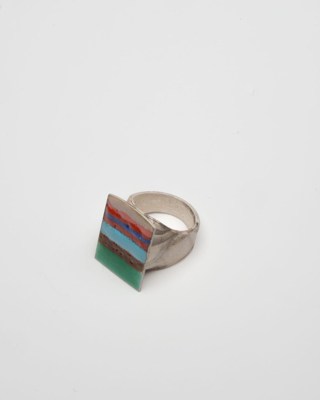 Aaron Decker, Striped Badge, 2018, ring; enamel, copper, silver, €1000