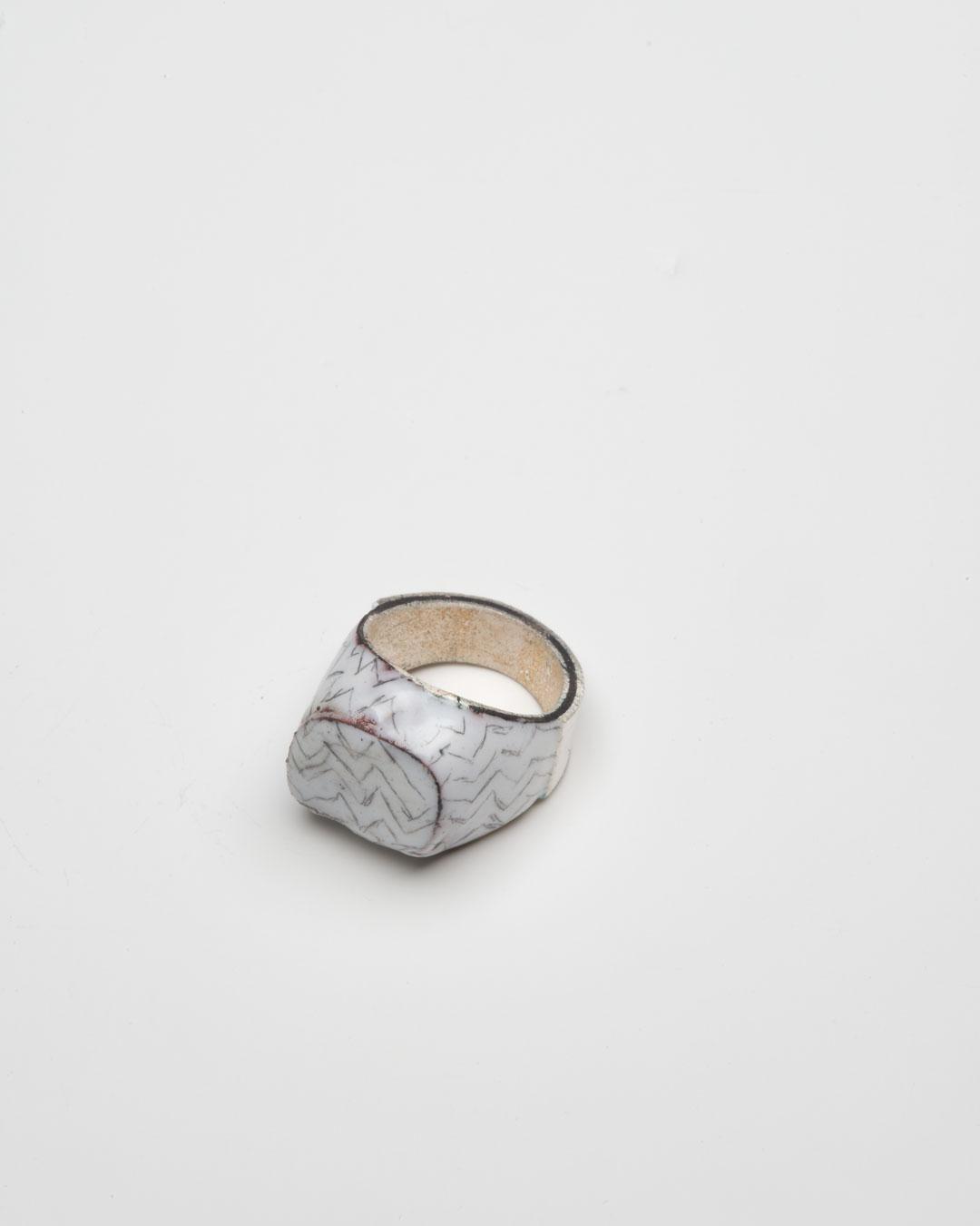 Aaron Decker, Charlie, 2018, ring; enamel, copper, silver, €1000