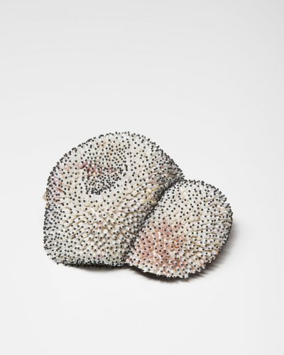Sam Tho Duong, Look, 2015, brooch; silver, freshwater pearls, nylon, €5350