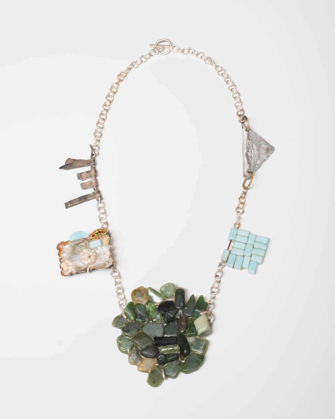Lisa Walker, untitled, 1998-2020, necklace; silver, plastic, glue, photograph, ceramic, pounamu (New Zealand jade), aluminium, €4360