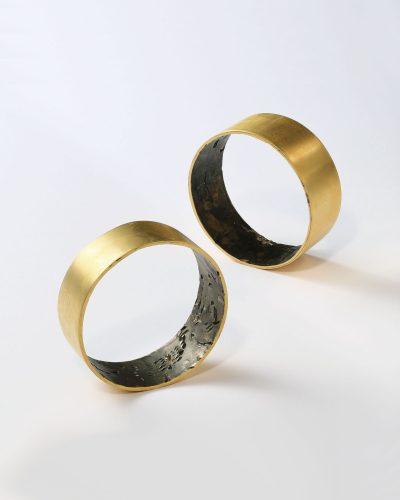 Ayaka Inomata Proof of Dearness, 2020, bracelet; gold-plated brass 30 x 80 x 2 mm