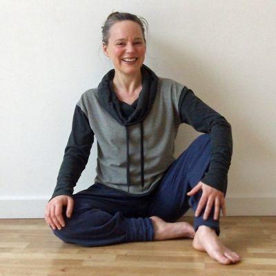 Picture-of-Spike-Warwick-Thai-massage-Deep-Tissue-Massage-Therapist-bodyworker-Hastings-St-Leonards-East-Sussex