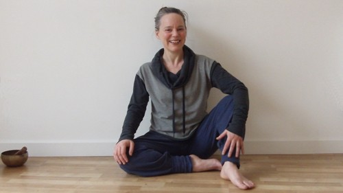 Yoga-Hastings-St-Leonards-East-Sussex-illustration-of-person-relaxing-after-yoga